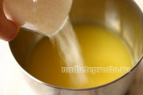 добавить сахар в жидкость