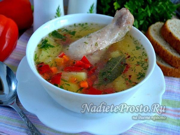 овощной суп с курицей готов
