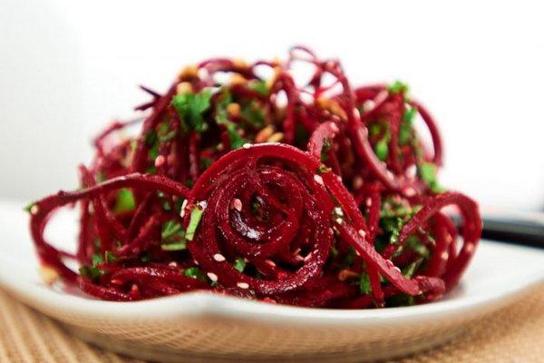 Диетический салат из свеклы – очень вкусные рецепты