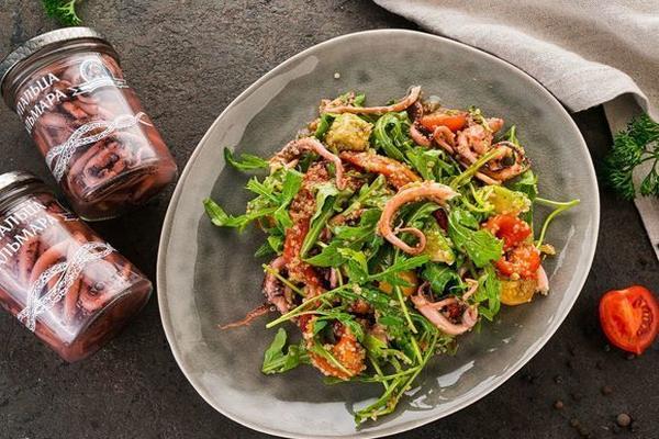 Диетические салаты с кальмарами: простые и вкусные пп рецепты