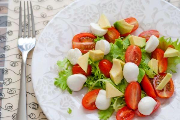 простые салаты с авокадо для похудения