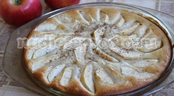 Диетический пирог с яблоками на ряженке