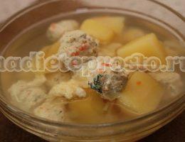 Диетический суп с вермишелью и фрикадельками